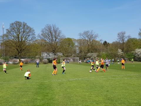 180418 Schoolvoetbal meisjes 25.jpg